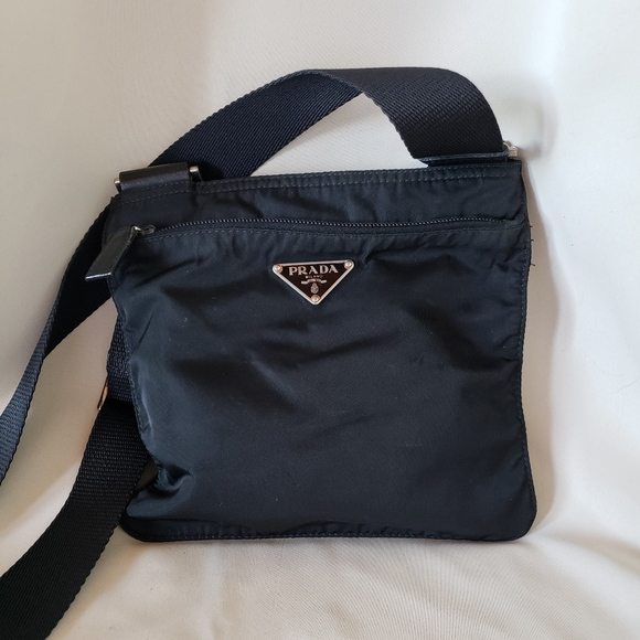 a298550c2f2d AUTH Prada Vela Small Nylon Crossbody Bag. M_5bc9260cc9bf5043bfe07dc3.  Other Bags ...